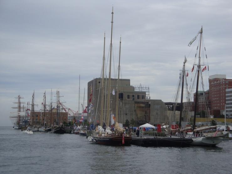 Es hot viel Tall Ships in Halifax gewwe!