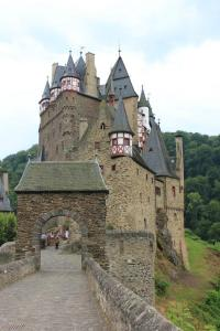 Burg Eltz...sell iss eppes zu seh!