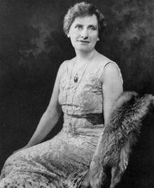 Die Nelly Tayloe Ross, aerschde weibliche Governor in Amerikaa.