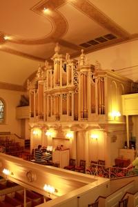 Ariyel Konzert in Trinity Luddrische Karrich.